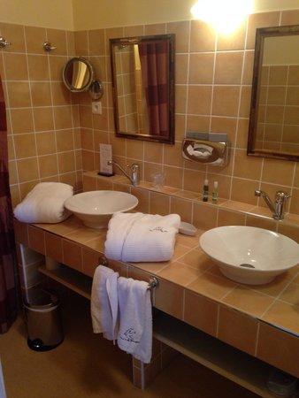 Domaine de la Colombière : Salle de bain Picasso
