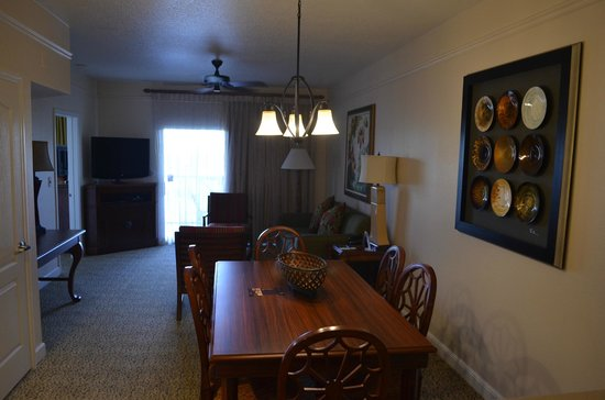 Sheraton Vistana Villages - International Drive: dining and livingroom
