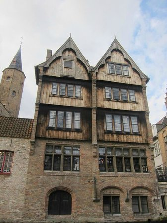 Relais Bourgondisch Cruyce - Luxe Worldwide Hotel: External view of hotel