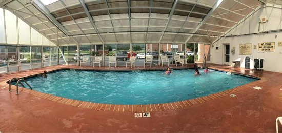 Cumberland Inn and Museum: Pool at Cumberland Inn