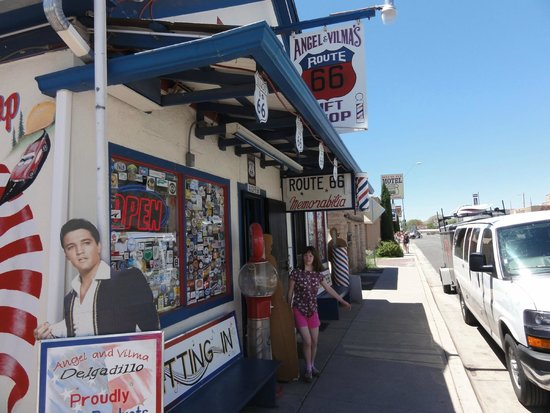 Angel & Vilma Delgadillo's Route 66 Gift Shop & Visitor's Center: Angel and Vilma's @ Seligman
