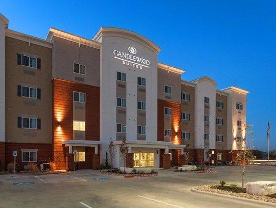 Candlewood Suites: Entrance