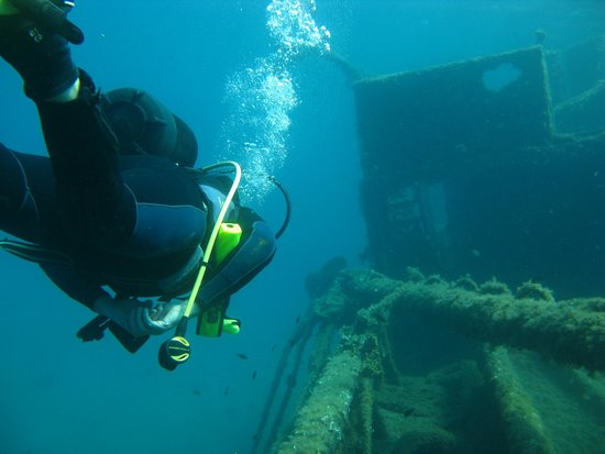 Argalasti, Grekland: Diving 'Kali Tichi' with Diving Pelion, Greece. Amazing!