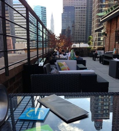 Renaissance New York Hotel 57 : Rooftop Lounge, don't miss it!