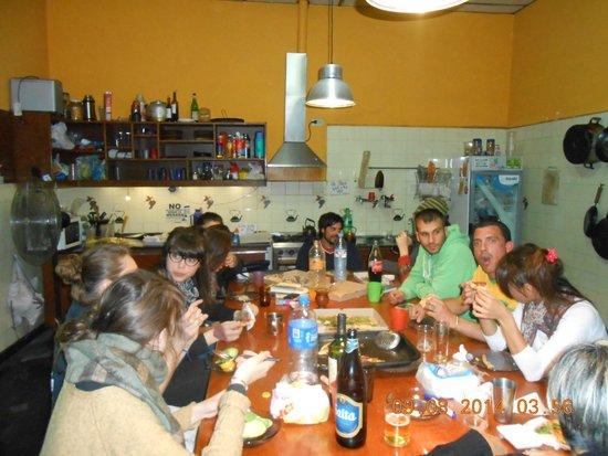 Hostal Prisamata: compartiendo cena