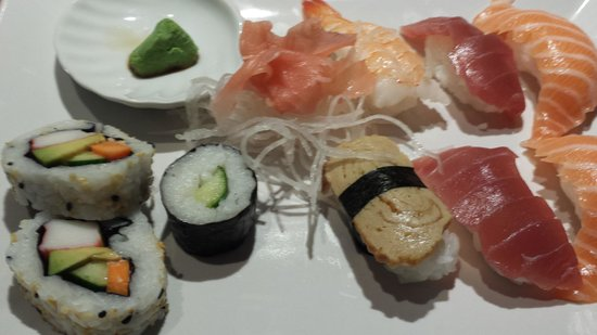 Ginger Asian Flavours : sushi voorgerecht