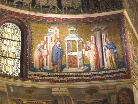 Santa Maria in Trastevere: Attractive