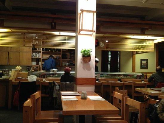 NADA Sushi Restaurant INC : Restaurant von innen