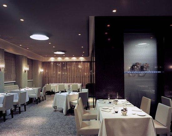 Normal BMelia Genova Restaurant Grace