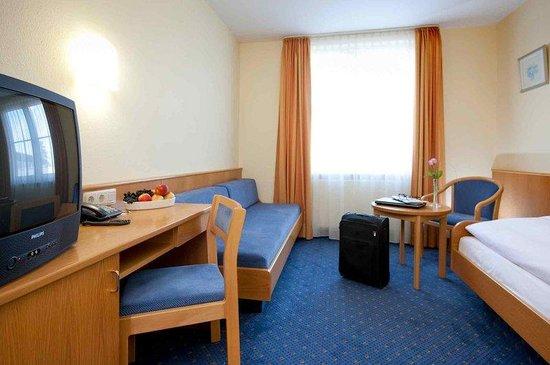 Doblergreen Hotel Stuttgart-Schwieberdingen: Guest Room