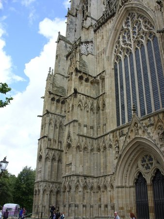 Cathédrale d'York : Exterior to York Minster