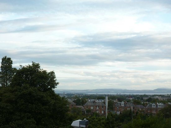 Best Western Edinburgh South Braid Hills Hotel: View to north, into city, from room