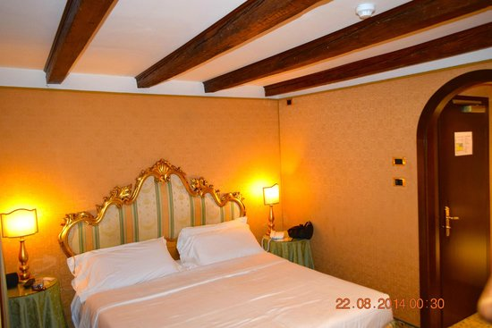 Hotel Concordia: Bedroom