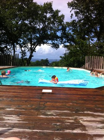 Camping Huttopia Douarnenez : Pool at indigo