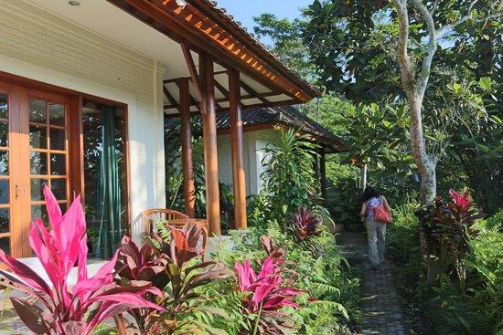 Alam Sari: Entrance to the room