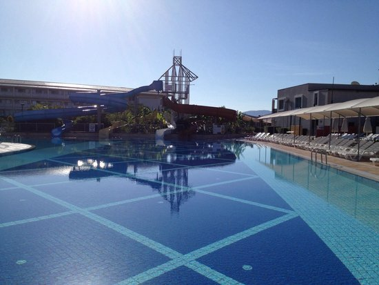 Holiday Village Turkey Hotel: Slide pool in the morning