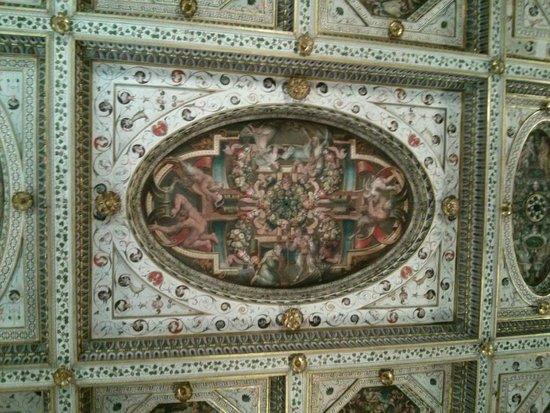 Castello Estense: fresco on the ceiling