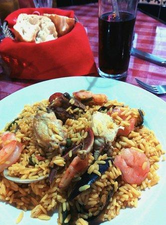 Chiki Jai: Good paella for 120 pesos, $9 US