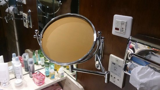 Gran Tacande Wellness & Relax Costa Adeje: зеркальце ( которого нет ) в Senior Suite