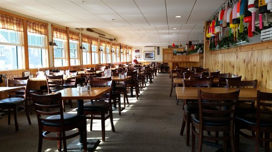 Fisherman's Friend: this is the restaurant after we had been there an hour!  they needed a waiting list??