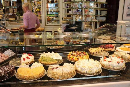 Cafe Reichard: Una parte del ricco banco del Cafè Reichard