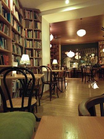 Kelet Cafe & Gallery