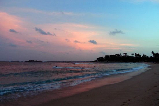 Thaproban Beach House: The Sunset in Unawatuna