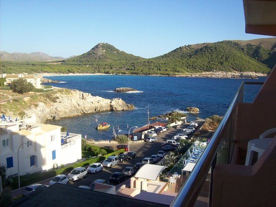 THB Cala Lliteras: view of scuba area and beach beyond