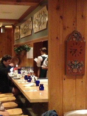 Al Johnson's Swedish Restaurant & Butik: Service at the counter
