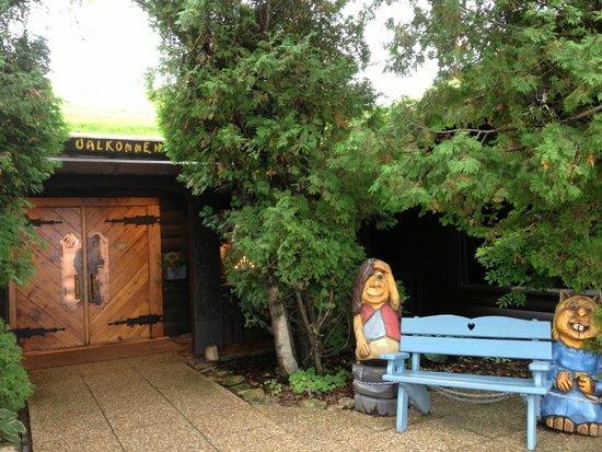 Al Johnson's Swedish Restaurant & Butik: Al's entrance