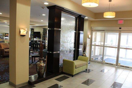 Holiday Inn Express - Albert Lea - I-35 : Entrance
