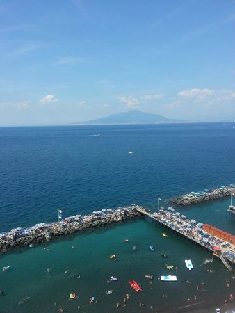 Hotel Bristol: Mount Vesuvius from balcony