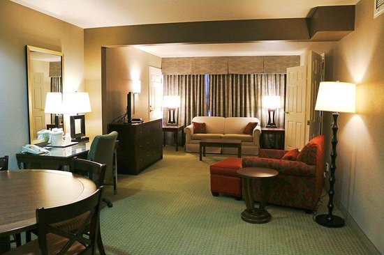 Holiday Inn Express Hotel & Suites Bozeman West: Deluxe Suite with Jacuzzi