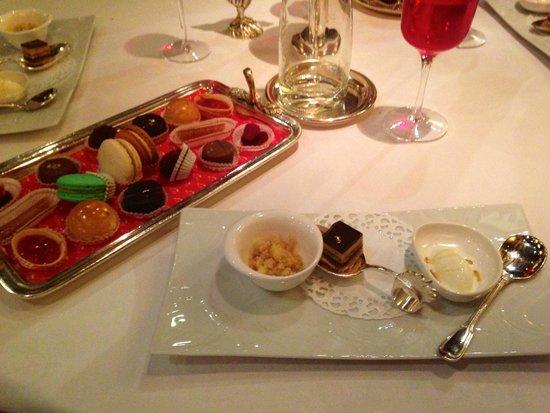 Restaurant Georges Blanc: mignardises