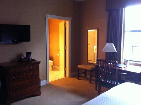 Fairfield Inn & Suites Albany Downtown: Desk Area