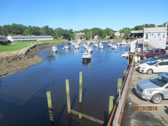 Perkins Cove: view from wooden bridge