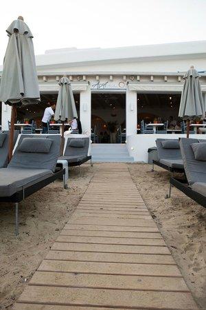Avli Tou Thodori: Entrance from the beach