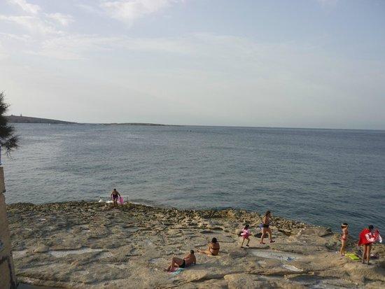 Topaz Hotel: plage