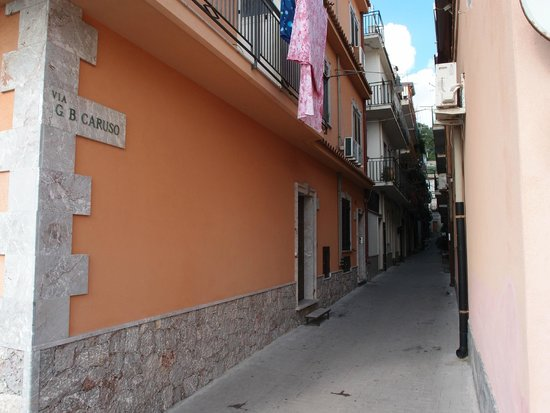 Da Concettina: The street of the apartments location (one apartment of the two)