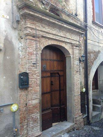 Situado en el centro historico de Spinoso
