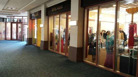 Hyatt Regency Albuquerque: Shopping in the lobby