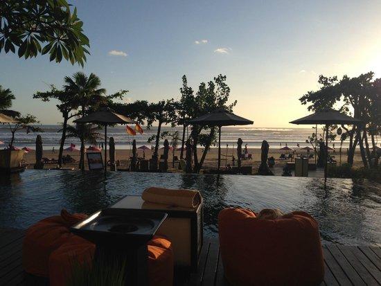 Anantara Seminyak Bali Resort: Poolside