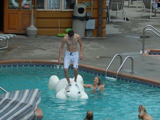 "Cliffside Resort & Suites: Conquering ""The Polar Bear"" !"