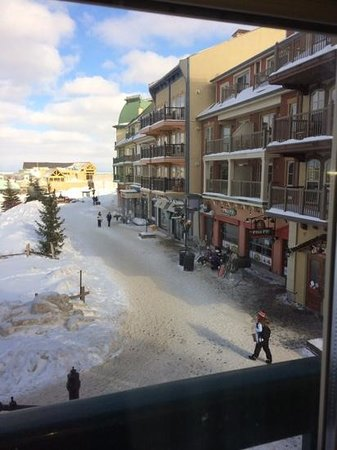 Weider Lodge - Blue Mountain Resort: located right in the heart of the village