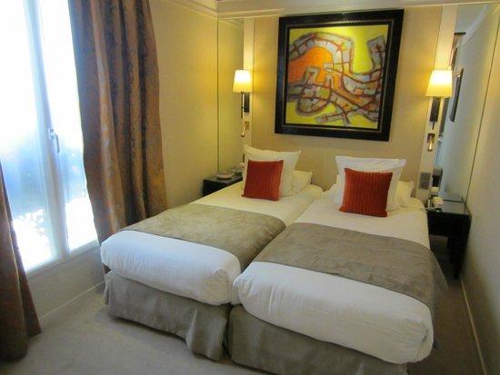 Best Western Plus Hotel Sydney Opera: Habitación 404 cama