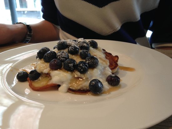 Swain House: Pancakes with yoghurt and blueberries