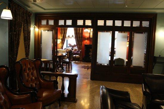 Grand Hotel Savoia: Espace rez de chaussée