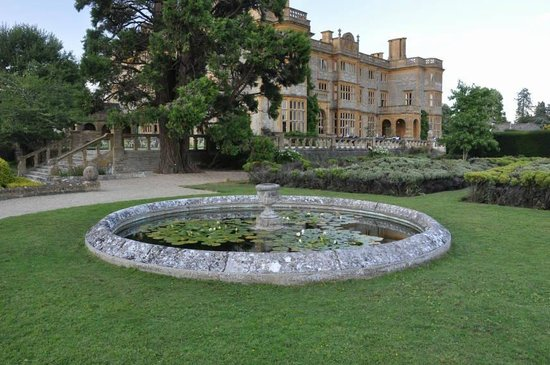 Eynsham Hall Hotel : Grounds at the rear