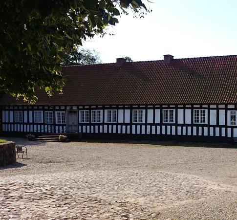 Anna's Bed & Breakfast Tarskov Molle farmhouse