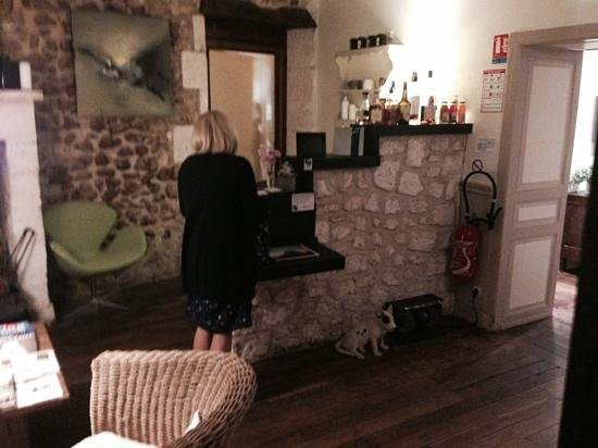 Hotel-restaurant Les Jardins de Brantome : reception area